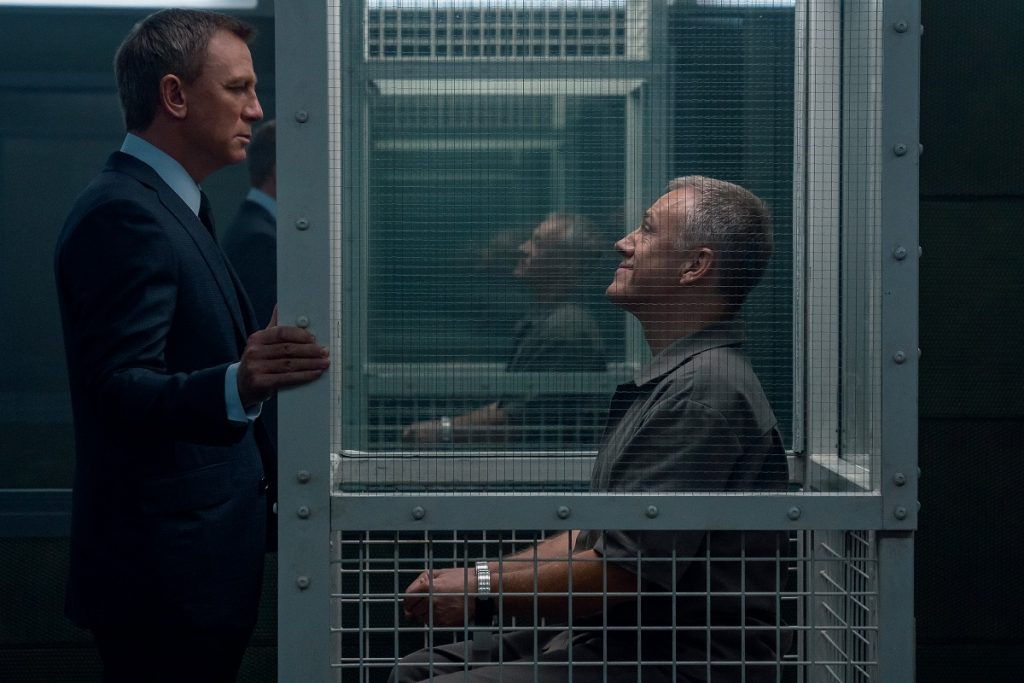 B25_16556_R2 Daniel Craig stars as James Bond and Christoph Waltz as Blofeld in  NO TIME TO DIE,  an EON Productions and Metro-Goldwyn-Mayer Studios film Credit: Nicola Dove © 2021 DANJAQ, LLC AND MGM.  ALL RIGHTS RESERVED.