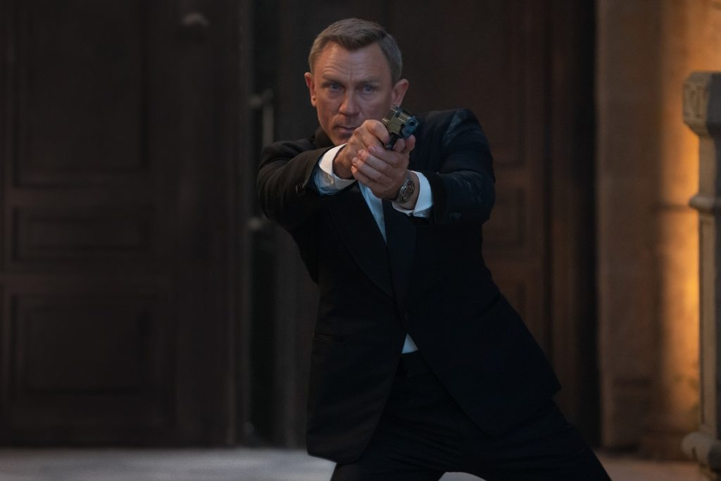 B25_37922_RC Daniel Craig stars as James Bond in NO TIME TO DIE,  an EON Productions and Metro-Goldwyn-Mayer Studios film Credit: Nicola Dove © 2021 DANJAQ, LLC AND MGM.  ALL RIGHTS RESERVED.